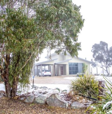Snow surrounding Villa 2 at Alure Stanthorpe