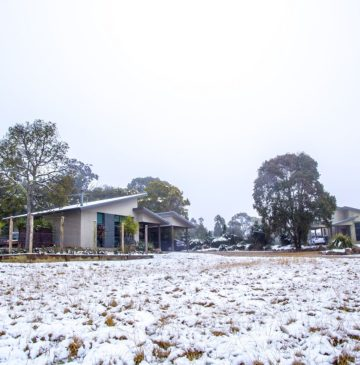 Alure Stanthorpe: snow at the villas