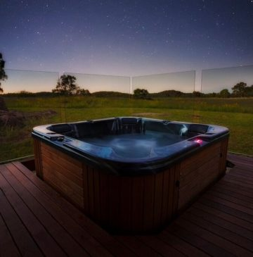 Alure Stanthorpe Villa Spa under the stars