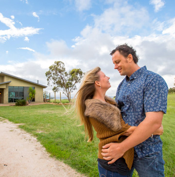 Alure Stanthorpe Couple Time