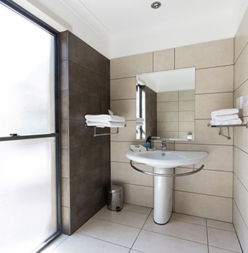 Alure Stanthorpe Villa Bathroom
